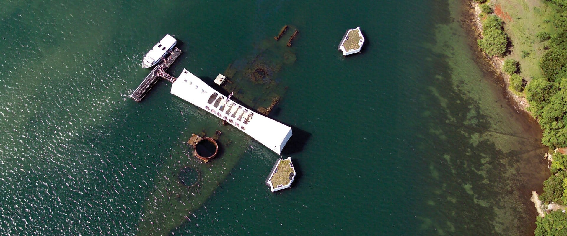 Aerial photo of the USS Arizona Memorial